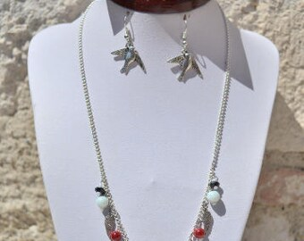 set necklace and earrings dove / birds white, red and black