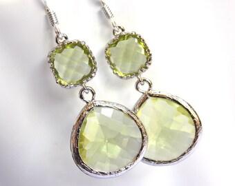 Green Apple Earrings, Glass Earrings, Green Earrings, Peridot, Silver Earrings, Bridesmaid Earrings, Bridal Earrings, Bridesmaid Gifts