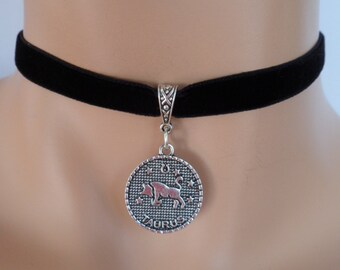 velvet choker, taurus choker, taurus necklace, stretch ribbon, black velvet, zodiac