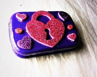 Glitter Heart Locket Tin