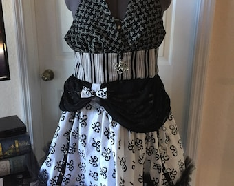 "Steampunk white and black drawstring skirt and ""halset"" top"