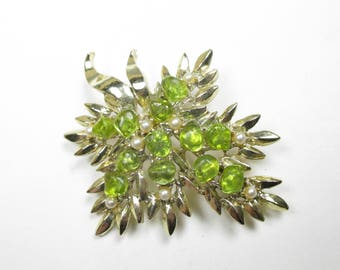 Vintage Dodd Brooch Gold Tone Green Glass Faux Pearl Mid Century Costume Jewelry