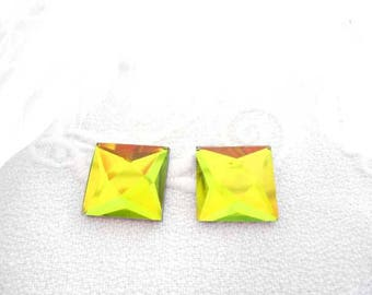 A set of two square 12 mm Green faceted glass cabochons.