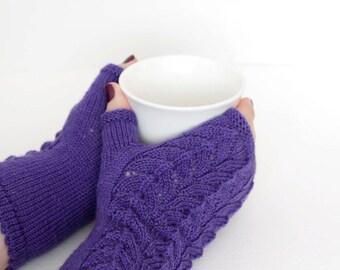 Purple fingerless mittens, Purple wool fingerless gloves, Purple arm warmers, Purple wrist warmers, Rustic fingerless gloves, Boho mittens