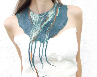 Statement Necklace, Felt Wool Necklace, Green Bib Necklace, Teal Wedding Gift, Boho Wedding Jewelry, Bohemian Necklace, Teal Necklace