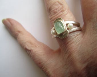 Aquamarine Stone With Two Whites Pearls On Sterling Silver 925 Ring . Aigue Marine Bague . Contemporary Ring