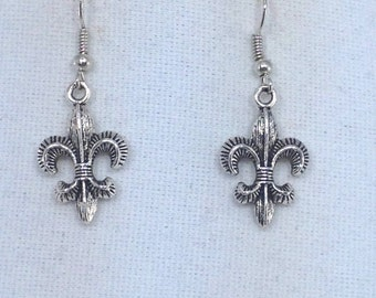 Silver Fleur de lis Earrings
