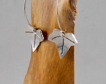 ivy leaf - round wire sterling silver earrings
