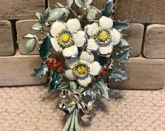 """Vintage white rose flower brooch by """"exquisite """"circa        1950's 1960"""