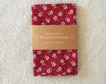 Red floral men's pocket square // cotton pocket square / red pocket square / wedding pocket square / men's handkerchief