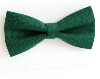 Green  bow tie, wedding bow tie, linen bow tie,  groomsmen tie, wedding tie, green tie, green  tie for men