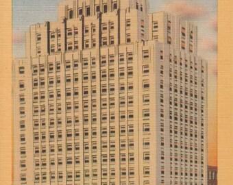 Des Moines, Iowa Vintage Postcard - The Des Mos Moines Building