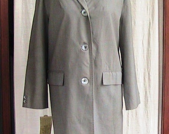 Size Medium 60s Vintage Misty Harbor Light Coat WWC018