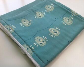 Burp cloths - Firefly burp cloths - Blue burp cloths - Fireflies burp cloths - Modern baby burp cloths - Set of 2 burp cloths - Baby gift