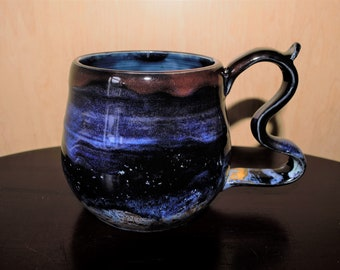 Black mug with stardust