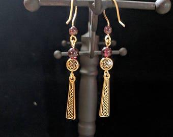 Celtic knotwork Dangle Earrings - Garnet - St. Patrick's Day - Irish