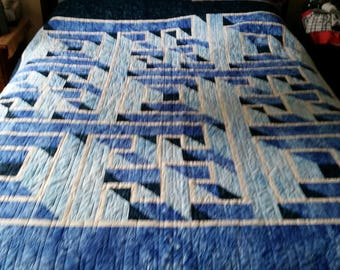 Labrinth Bed Quilt