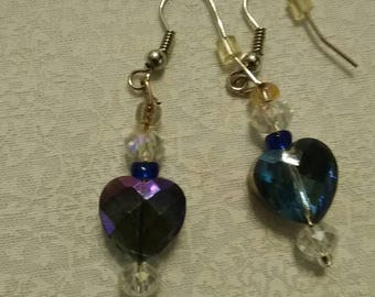 Purple/blue irredecient drop earrings.