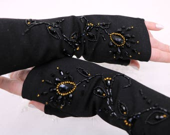 Embroidered mittens, embroidered gloves, glamorous gloves, decorated mittens