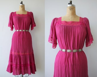 vintage 1970s dress / 70s gauzy dress / 70s peasant dress / 70s summer dress / 70s tent dress / loose fitting dress / small medium large