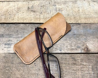 Leather reading glasses sleeve, Leather eye glass case, Leather glasses sleeve