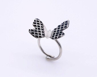 Butterfly ring - Sterling slver ring - Adjustable ring - Silver with black oxidation - Size 6US - 8US.