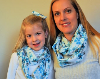 Matching blue flowers scarfs, Mommy and me, sisters matching scarfs, girls scarfs, girls scarf, floral scarf, infinity scarf, flannel scarf