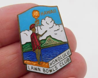 Antique Enameled Hawaii Honolulu Lawn Bowls Club Pin Made in England dr62