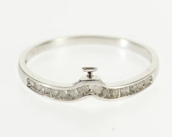 10k Diamond Inset Chevron Wedding Band Ring Gold
