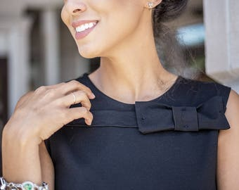 Sleeveless Top w/Front Bow