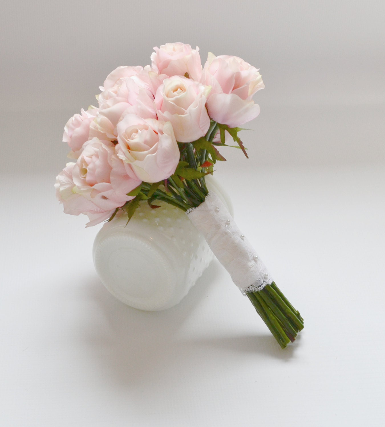 how to make a bridal bouquet with roses