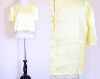 Vtg Yellow Blouse Boxy Crop Top Yellow Crop Top Button Back Blouse 70s Crop Top Lace Details Boxy Blouse Boxy Top Boxy Shirt Summer Blouse