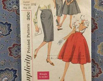 """Simplicity 50s skirt pattern, size junior 251/2 """" waist hip 35"""""""