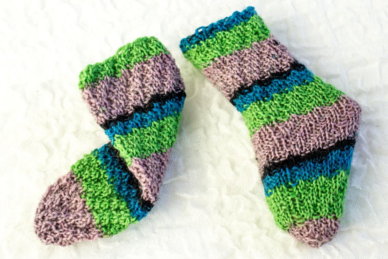 KNITTING PATTERN Baby Socks Tube Socks Knitted Magic Spiral