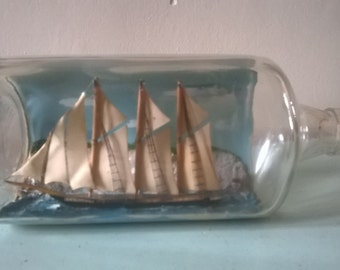 Unusual Vintage Ship in a Gordon's Gin Bottle with Diorama