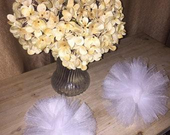 Tulle pompoms, tulle pom pom, wedding decor, small pompom, small pom pom, white pom pom, white tulle ball, wedding ball, pretty pom pom