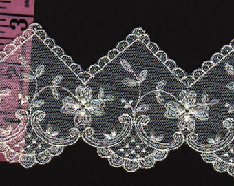 3 inch Ivory embroidered lace trim  5yds (2668)