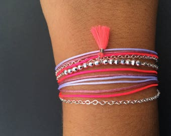 Bracelet end charm chain, beads, threads of nylon in shades of pink and pink tassel