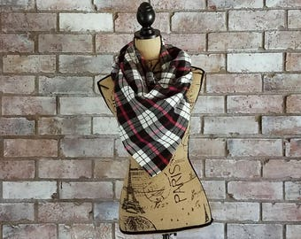 Red and Black Scarf, Red Triangle Scarf, Blanket Scarf, Triangle Scarf, Bandana Scarf, Red Bandana Scarf, Plaid Flannel Scarf, Red Flannel