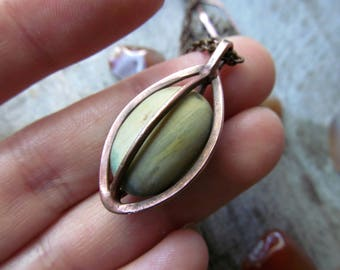 sea stone pebbles pendant/pendant stone framed copper/gift for him/her