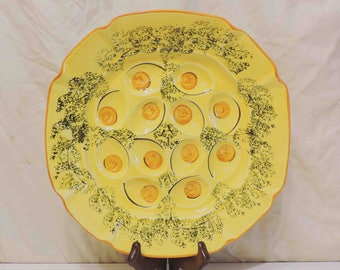 """Egg Platter Designcraft Made In USA """"402"""" Vintage by N.S. Gustin Co."""