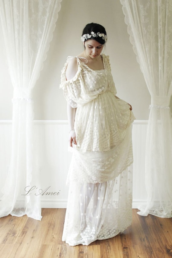 Items similar to Loose Bride \'n Boots Short Handmade Vintage Style ...