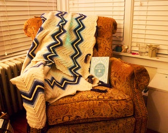 Blue and Cream Ripple Afghan