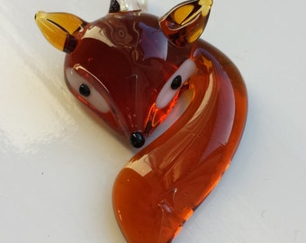 Stunning glass fox pendant for necklace