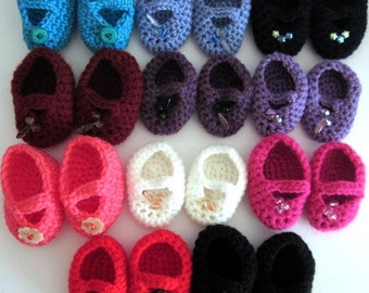18 inch doll shoes, handmade Mary Janes, choice of several colours , crochet doll clothes, doll slippers, doll accessories