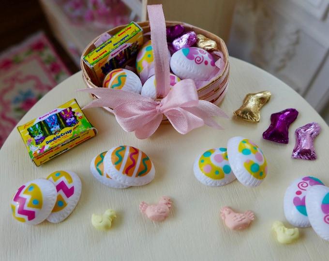 Featured listing image: Blythe Barbie Size Easter Basket