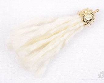 T018-WH// Gold Plated Cap 55mm White Yarn Tassel, 2 pcs