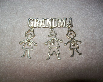 Vintage GRANDMA BROOCH~Two Girls and One Boy~Dangling Hearts in The Center