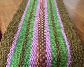 Hand knitted table path in Mapuche Vertical loom
