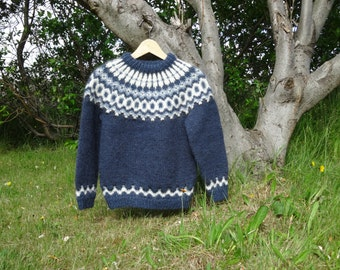 Ready to ship. Blue Icelandic children wool sweater. Handmade in Iceland. Blue with light blue, black and white pattern.